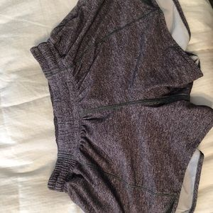 6 Tall lulu lemon Hotty Hot shorts